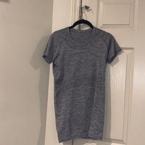 Lululemon fitted shirt